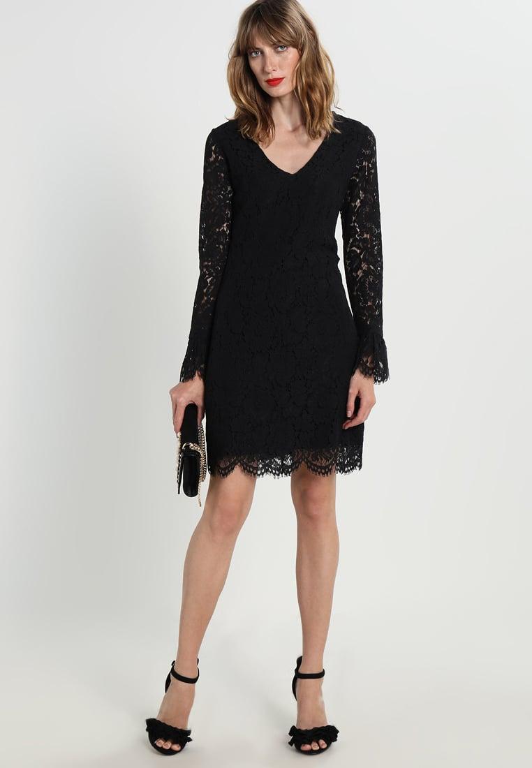 czarna sukienka koronkowa na sylwestra