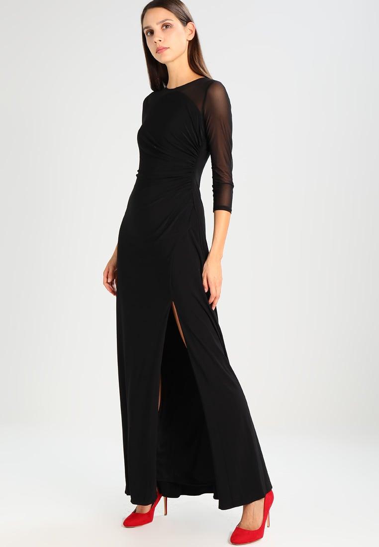 czarna suknia sylwestrowa z rozcięciem