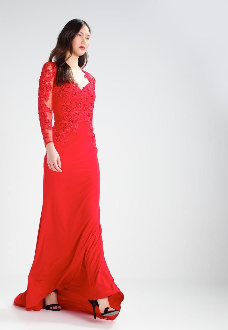 długa czerwona suknia sylwestrowa