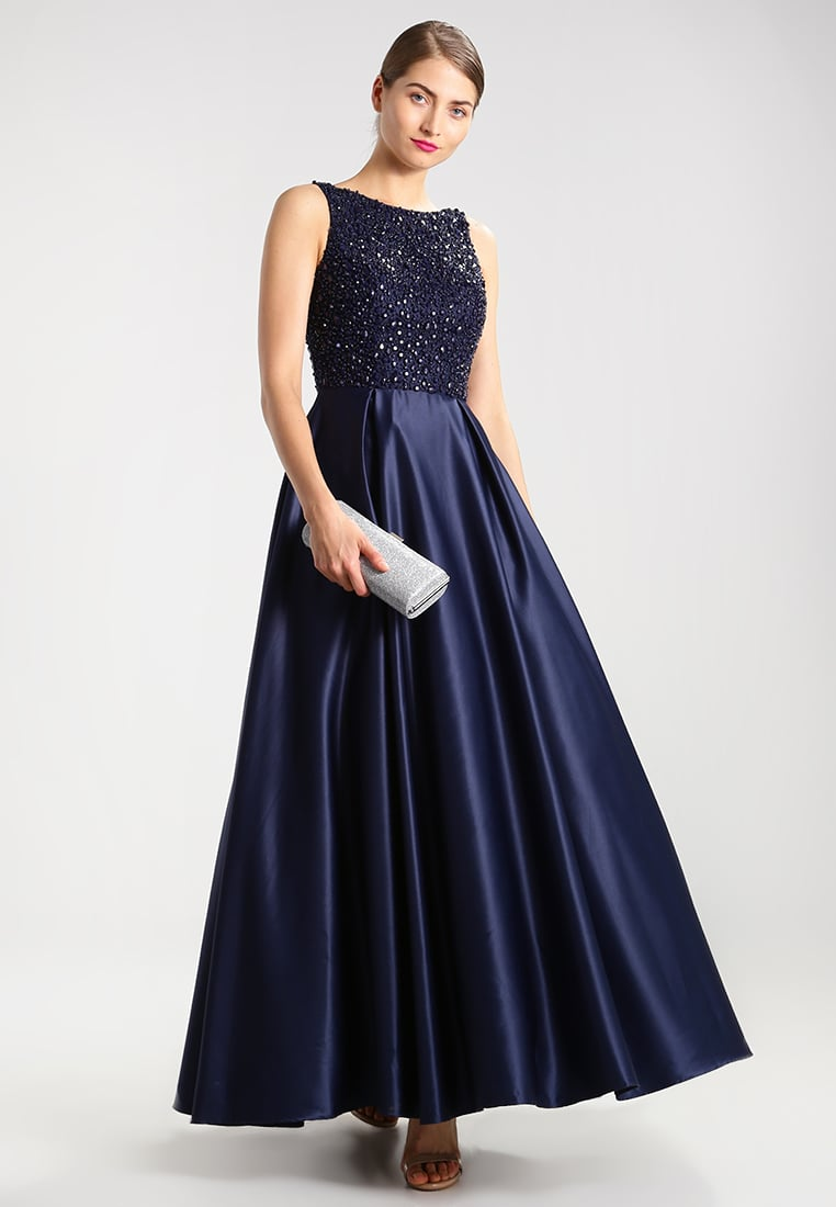 długa granatowa suknia sylwestrowa