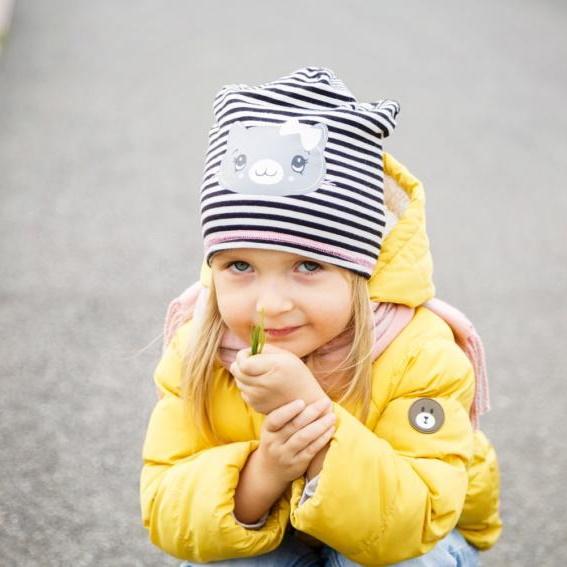 kurtka-na-wiosne-dziewczynka-e1522501968685